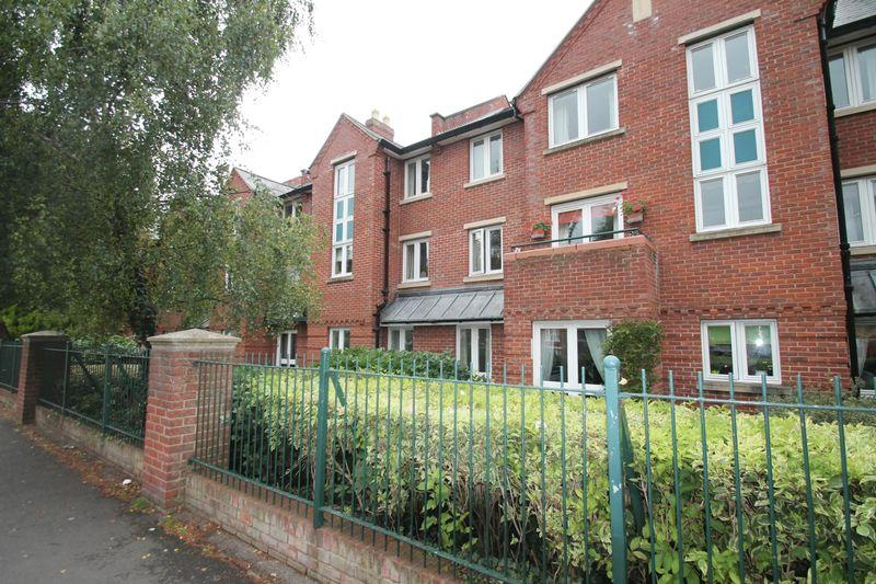2 Bedrooms Apartment Flat for sale in Georgian Court, Spalding