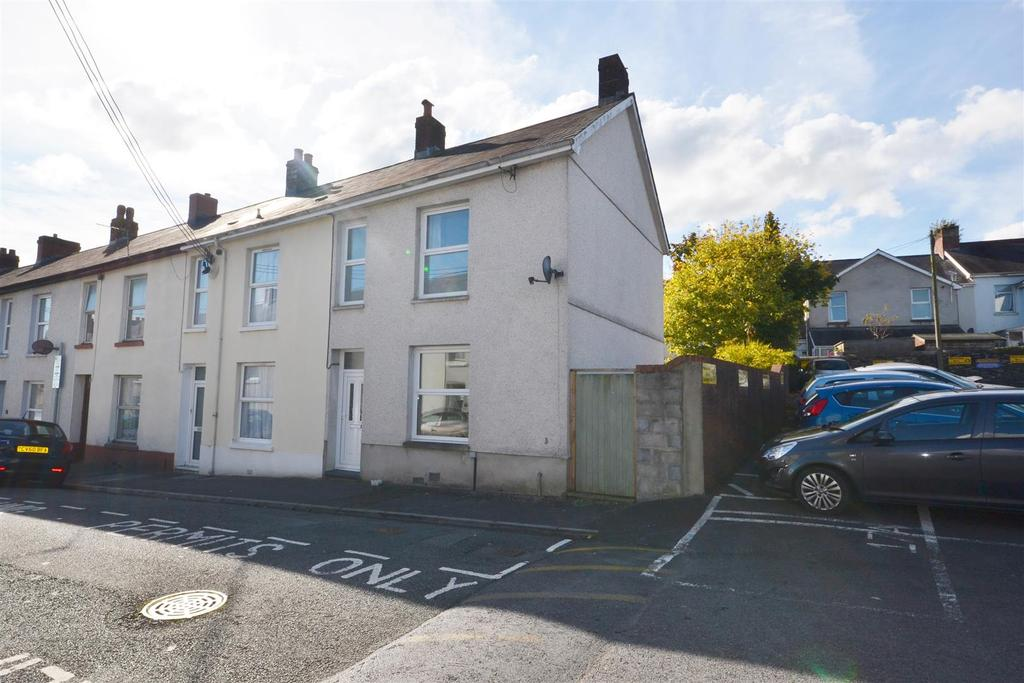 3 Bedrooms End Of Terrace House for sale in St. Davids Street, Carmarthen