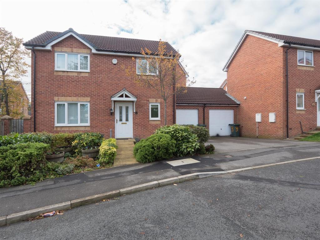 2 Bedrooms Detached House for sale in Cameron Grove, Eccleshill, Bradford, BD2 3DG