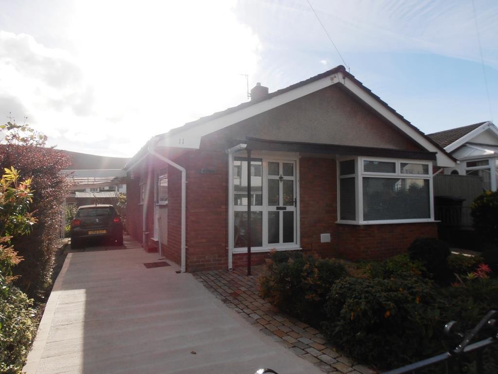 2 Bedrooms Detached Bungalow for sale in Chestnut Close, Landare, Aberdare