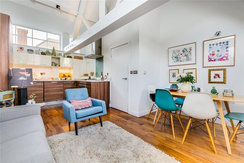 2 Bedrooms Flat for sale in Bagleys Lane, Fulham, London