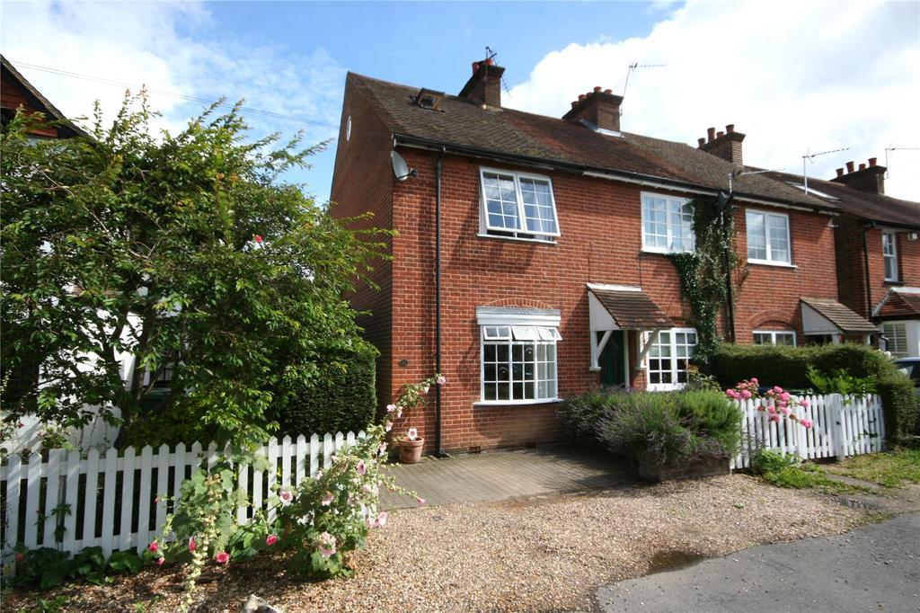 3 Bedrooms House for sale in The Queensway, Chalfont St. Peter, Gerrards Cross, Buckinghamshire