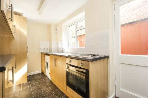 2 bedroom terraced house to rent - Circus Street, Oxford