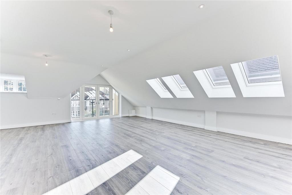 2 Bedrooms Penthouse Flat for sale in The Carrolls, 67 Farnham Road, Guildford, Surrey, GU2