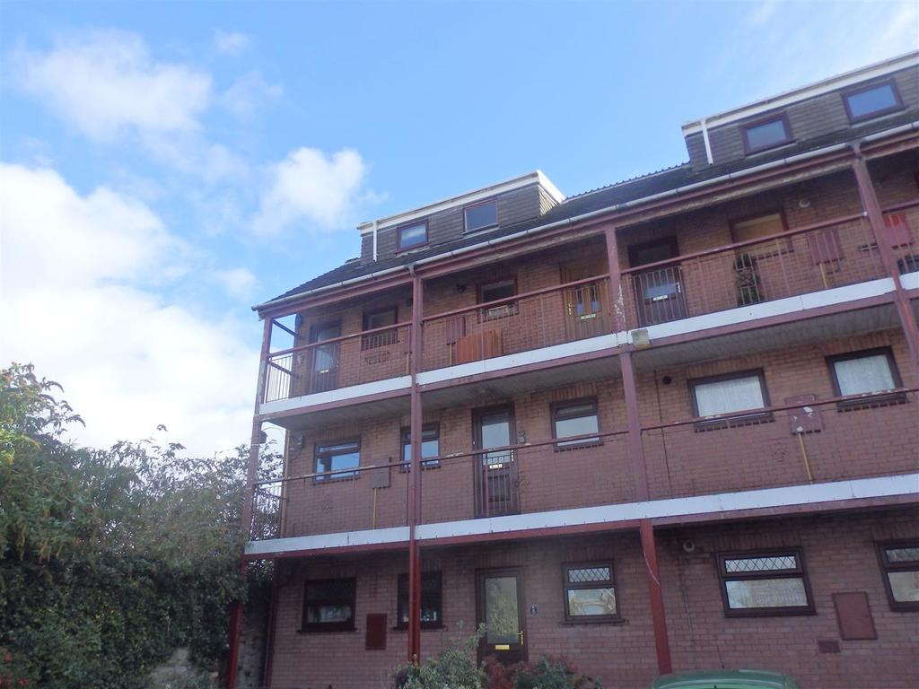 1 Bedroom Apartment Flat for sale in Princess Court, Llanelli