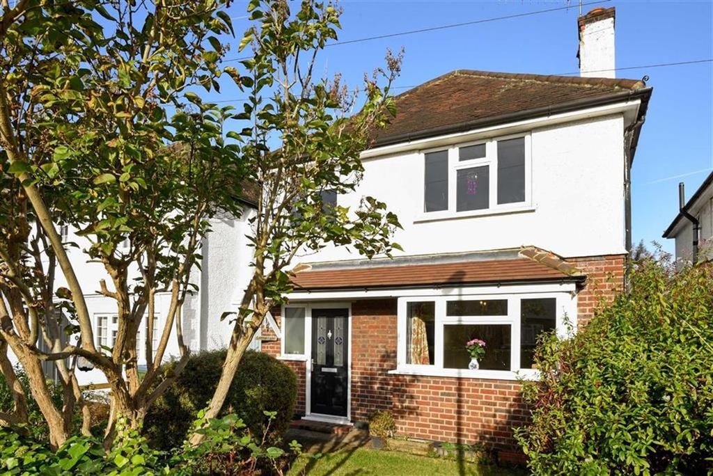 4 Bedrooms Detached House for sale in Leigh Road, Cobham, Surrey, KT11