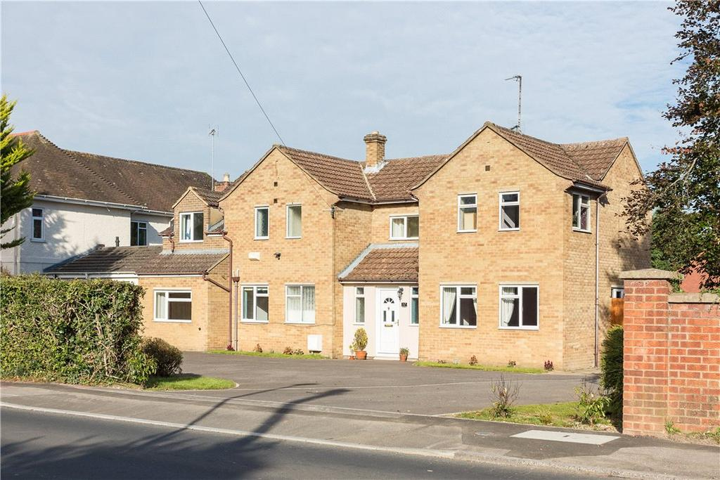 4 Bedrooms Detached House for sale in Greenhills Road, Charlton Kings, Cheltenham, Gloucestershire, GL53