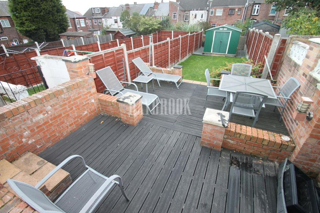 3 Bedrooms Terraced House for sale in St Johns Road, Eastwood