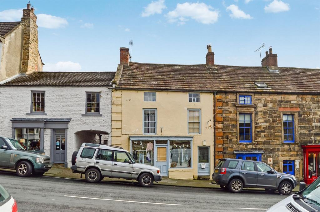 5 Bedrooms Terraced House for sale in 38 The Bank, Barnard Castle, Durham