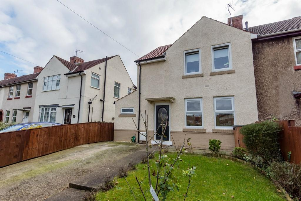 4 Bedrooms Semi Detached House for sale in Bad Bargain Lane, York