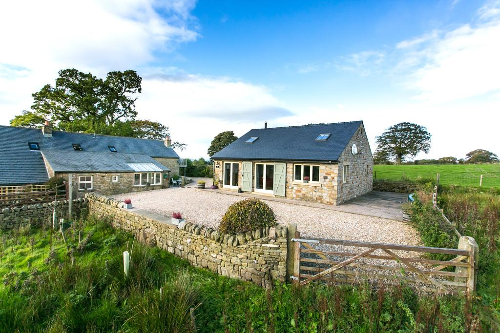 4 Bedrooms House for sale in Higher Stockbridge, High Road, Tatham, Lancaster, Lancashire LA2 8PS