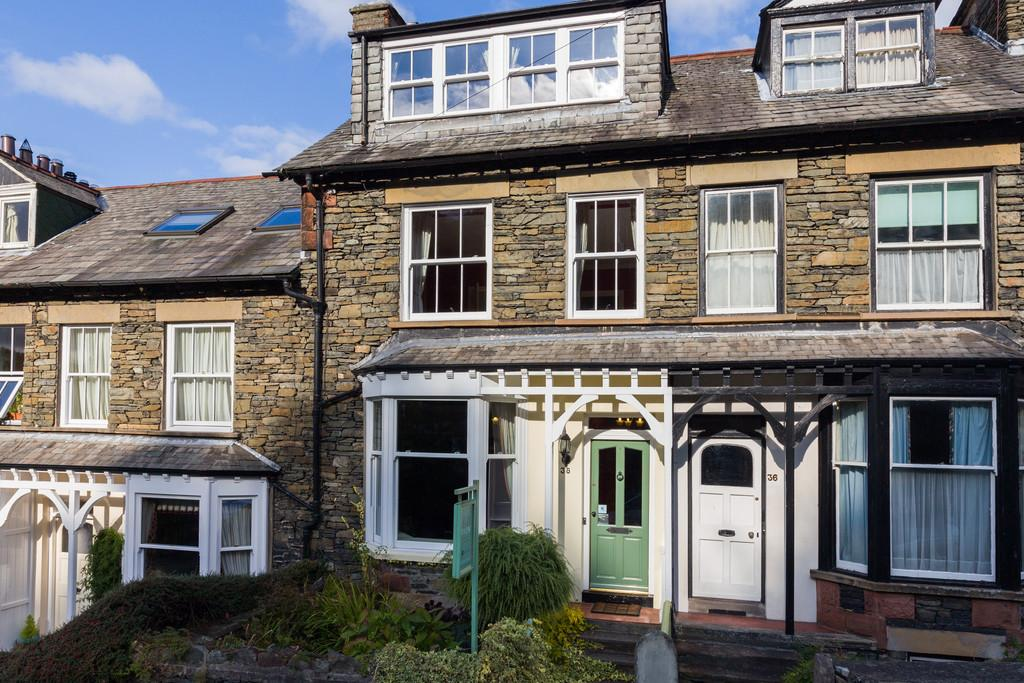5 Bedrooms Terraced House for sale in Fell View, 38 Craig Walk. Windermere, Cumbria, LA23 2JT