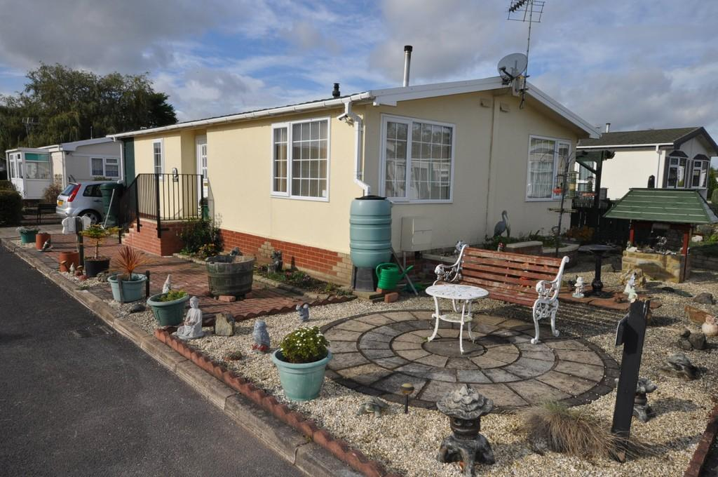 3 Bedrooms Mobile Home for sale in Palm Grove Court, Thorne, Doncaster