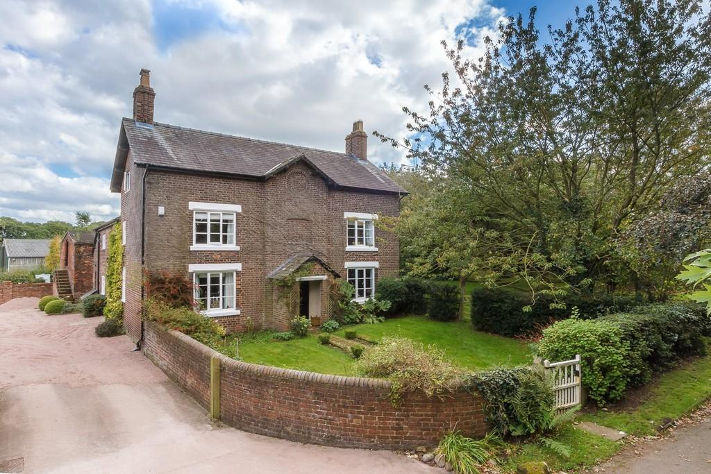 7 Bedrooms Farm House Character Property for sale in Mag Lane , High Legh