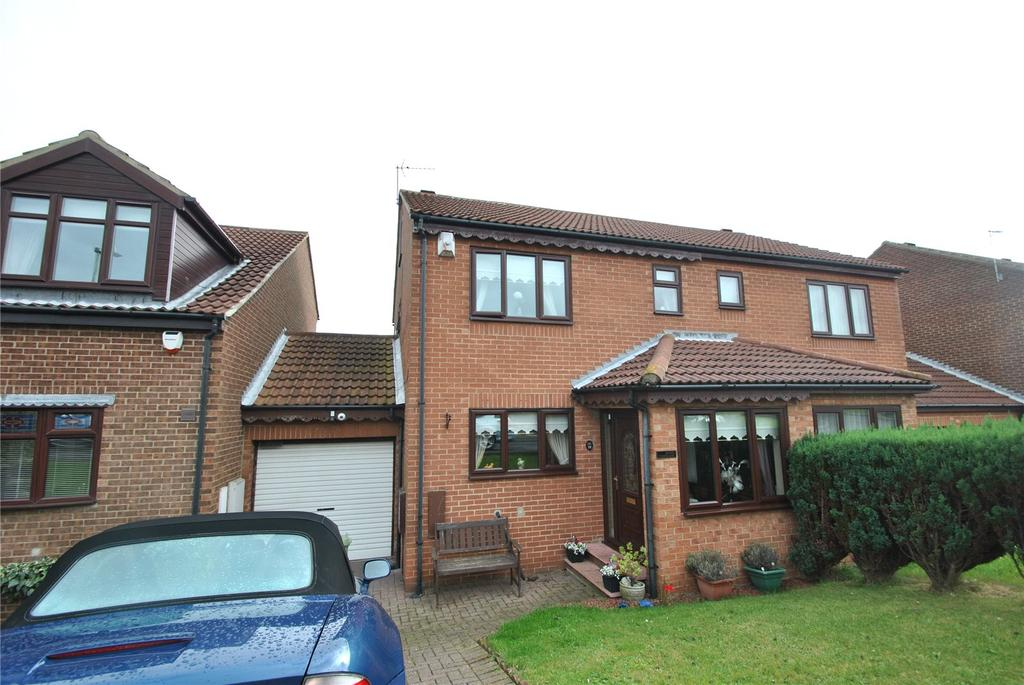 3 Bedrooms Semi Detached House for sale in Keating Close, Blackhall, Co Durham, TS27