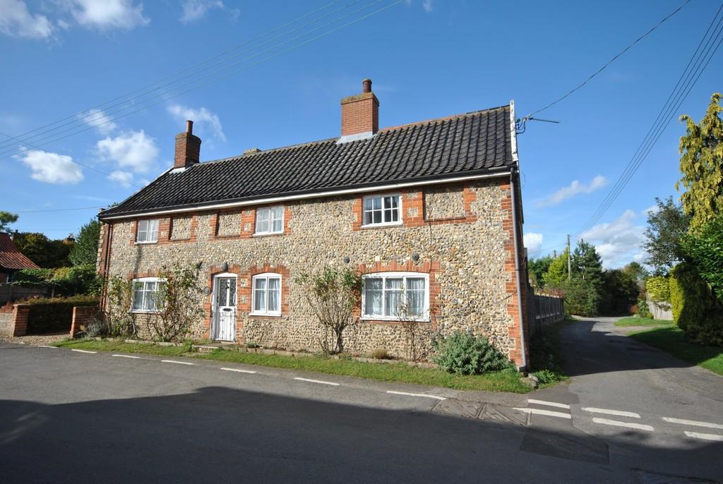 3 Bedrooms Detached House for sale in New Buckenham, Norfolk