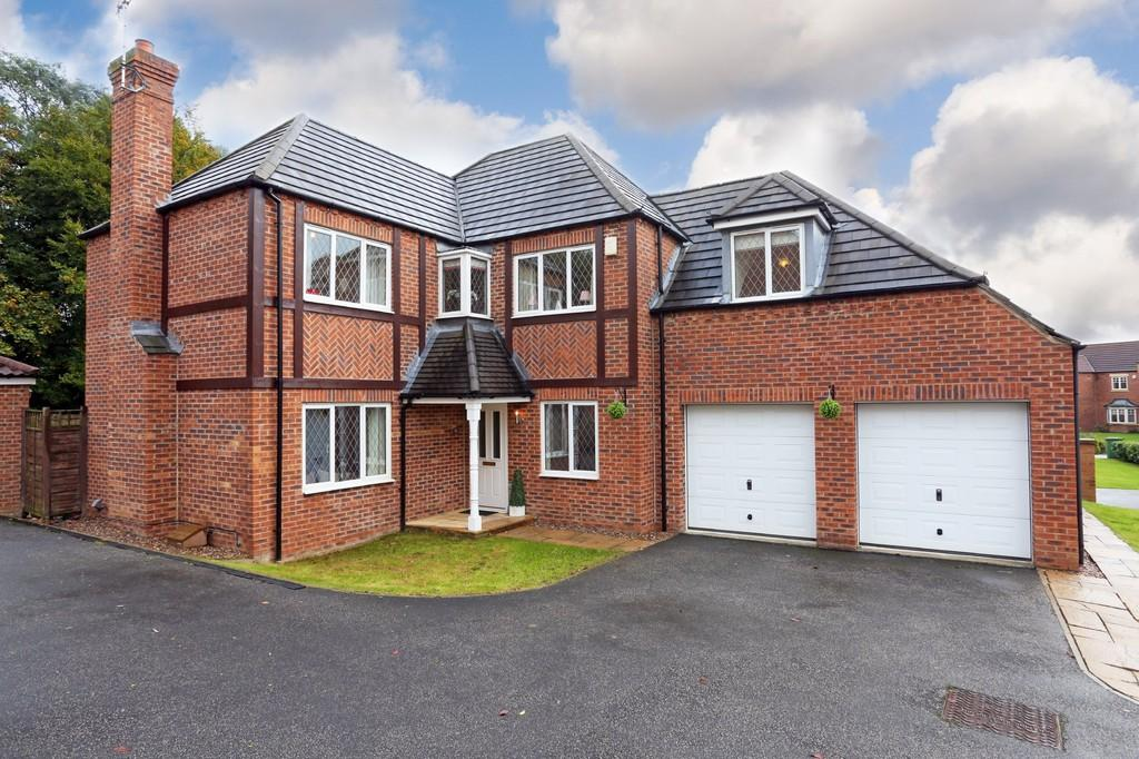5 Bedrooms Detached House for sale in Wicket Drive, St.Johns Walk, Wakefield