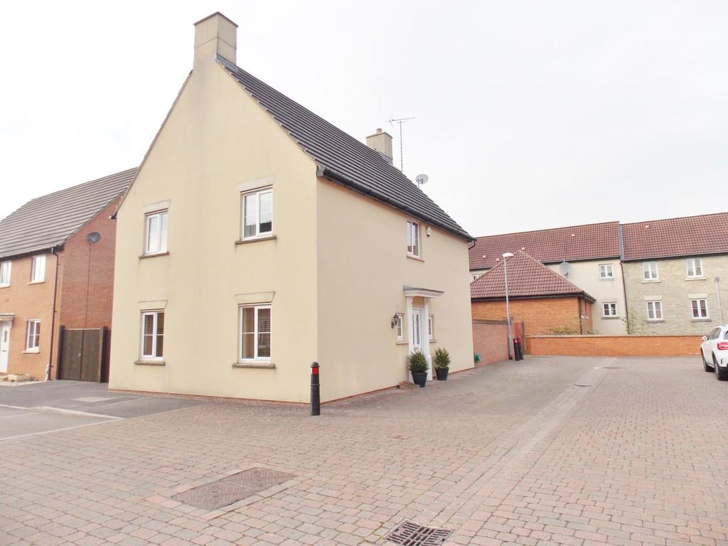 4 Bedrooms Detached House for sale in Kingswood, Wroughton