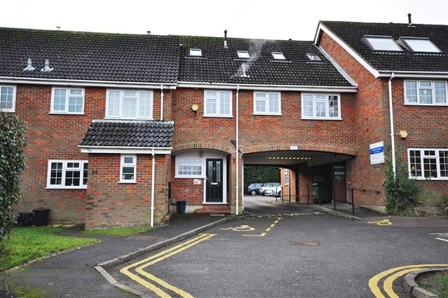 5 Bedrooms Mews House for sale in High Street, Bovingdon, Bovingdon
