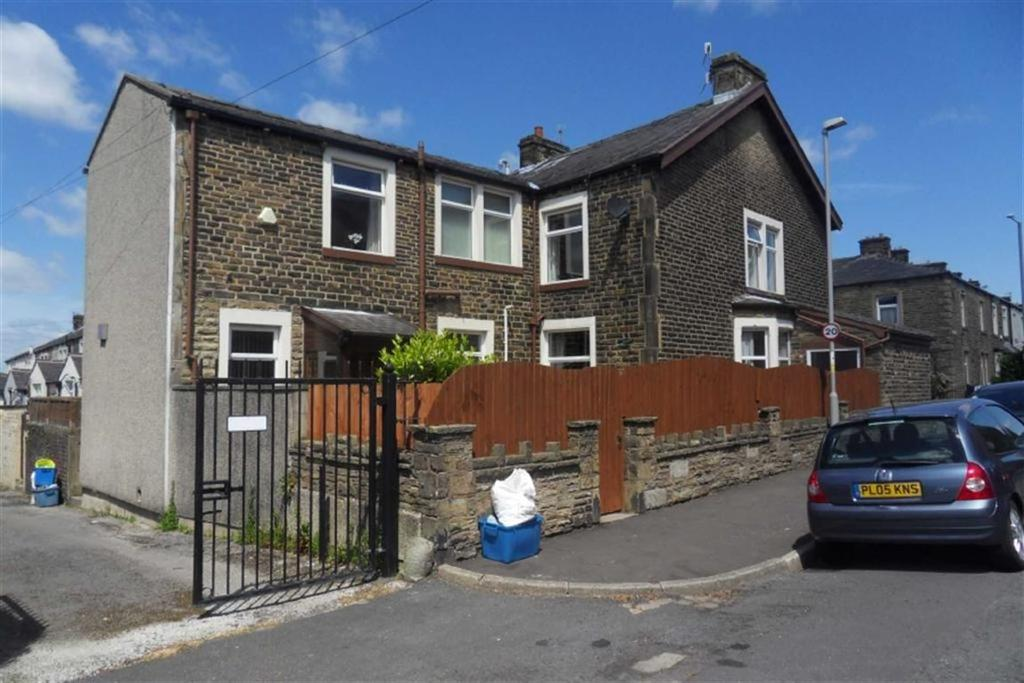 5 Bedrooms Terraced House for sale in St Matthew Street, Burnley, Lancashire