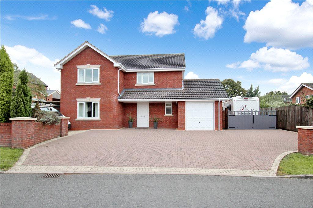 3 Bedrooms Detached House for sale in Westhill Gardens, Bromyard, Herefordshire, HR7