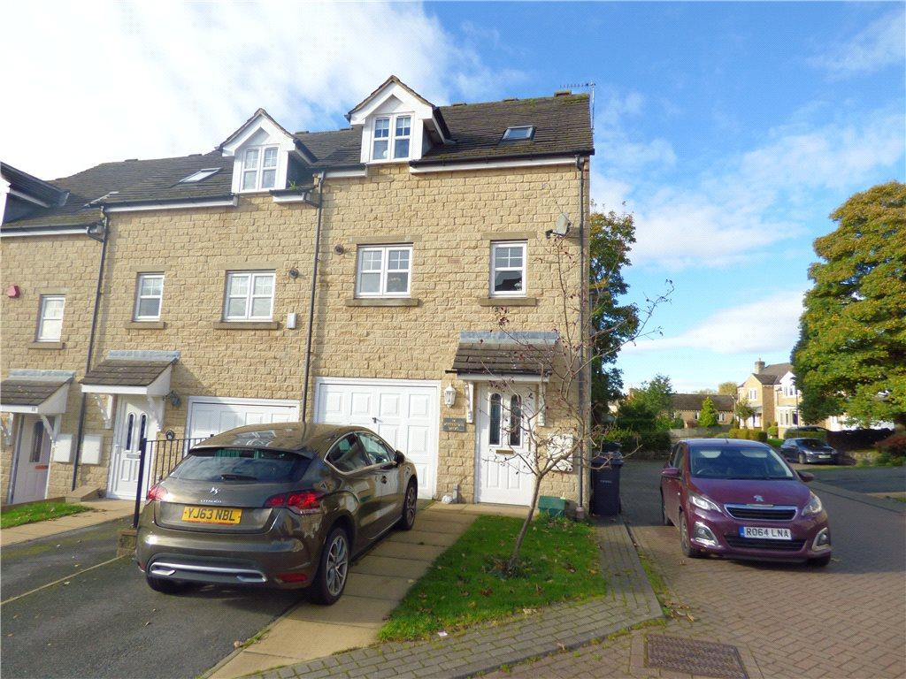3 Bedrooms Town House for sale in Whitestone Drive, East Morton, West Yorkshire