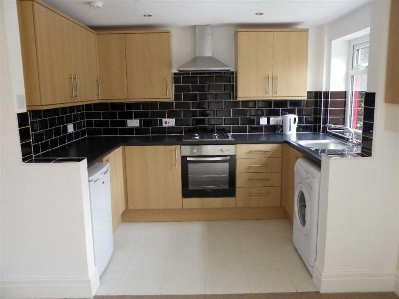 3 Bedrooms Detached House for sale in Woodplumpton Road, Preston , PR2