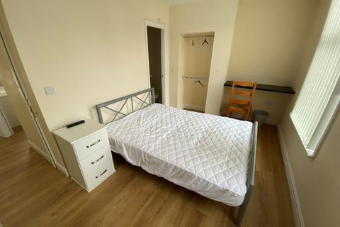 3 bedroom terraced house to rent - Abbey Street,  Preston, PR2