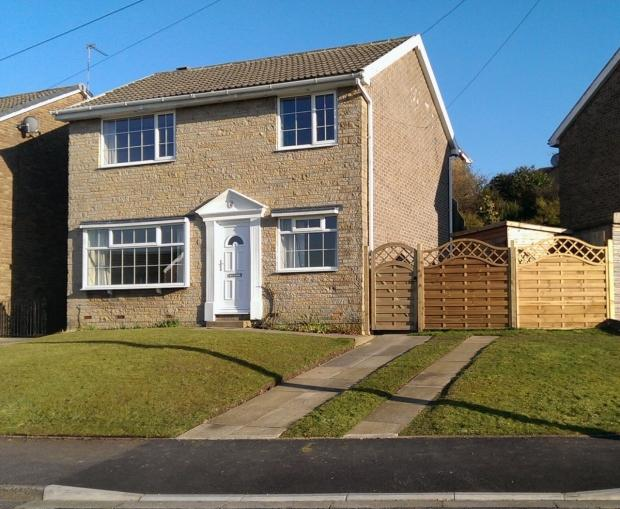 4 Bedrooms Detached House for sale in Long Ridge Brighouse