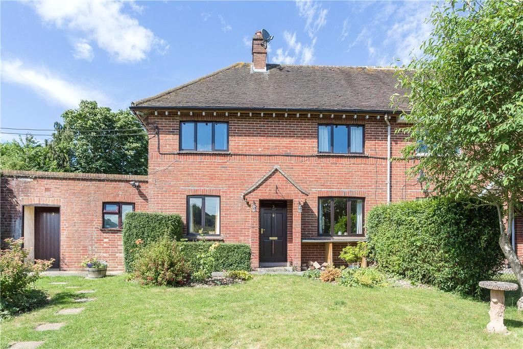 3 Bedrooms Semi Detached House for sale in The Leaze, Mildenhall, Marlborough, Wiltshire, SN8