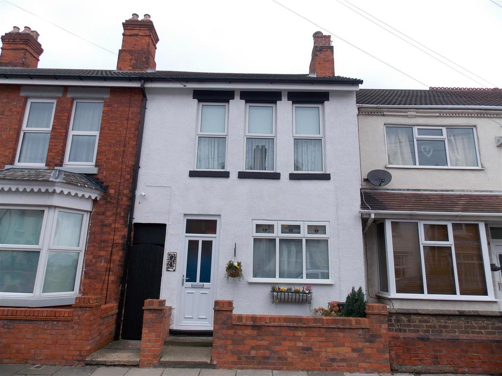 3 Bedrooms Terraced House for sale in Rowston Street, Cleethorpes