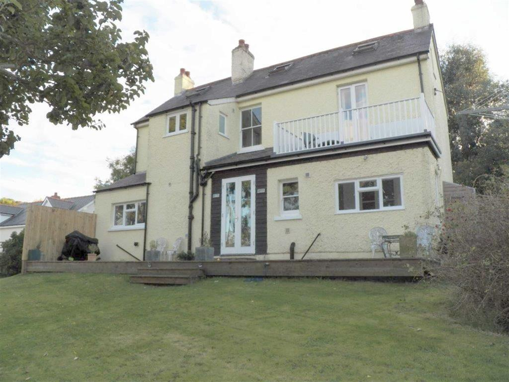 5 Bedrooms Detached House for sale in New Quay, Ceredigion