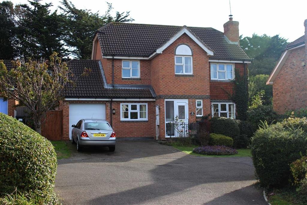 4 Bedrooms Detached House for sale in Princess Drive, Seaford