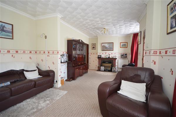 3 Bedrooms End Of Terrace House for sale in Wedderburn Road, Barking