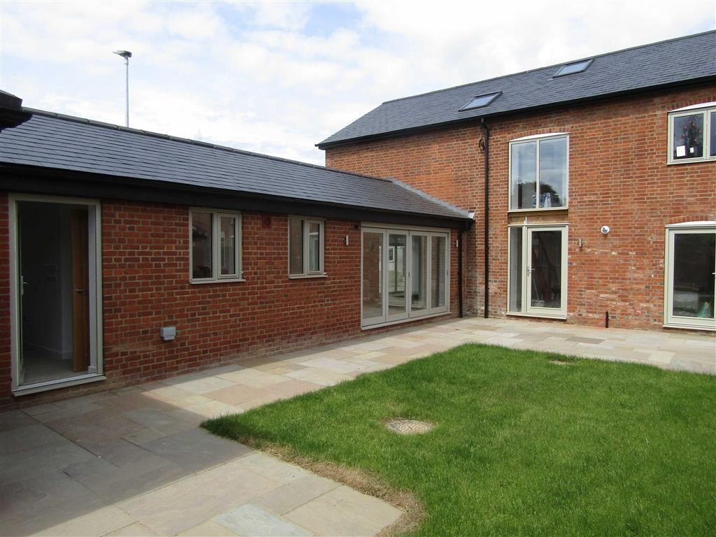 3 Bedrooms Barn Conversion Character Property for sale in Stevenage Road, Hitchin, SG4