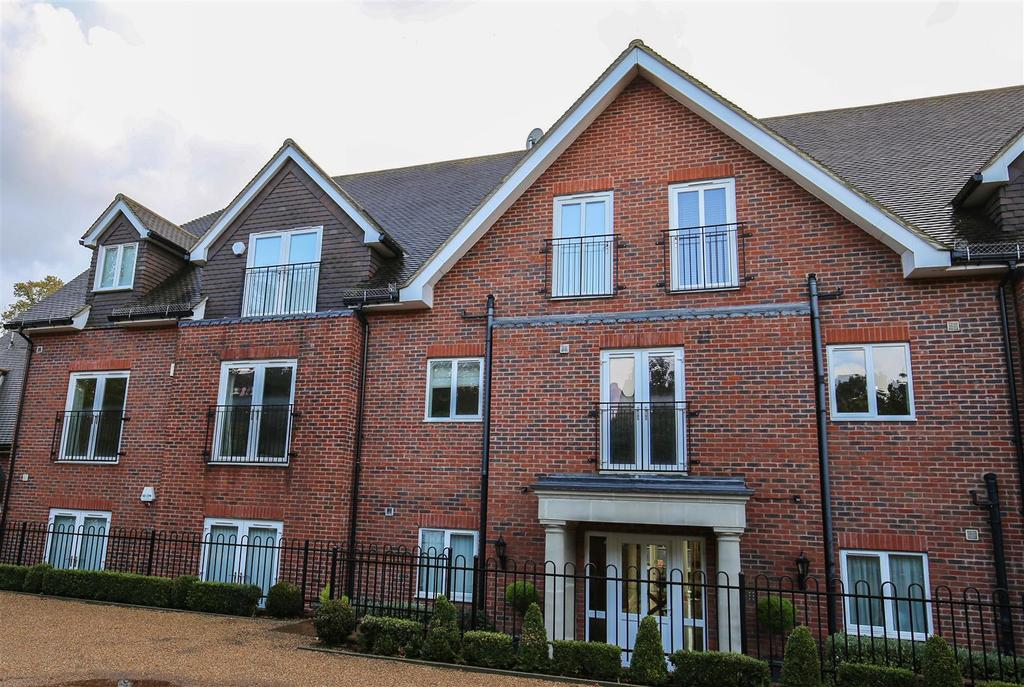 2 Bedrooms Apartment Flat for sale in St Faiths Lane, Maidstone