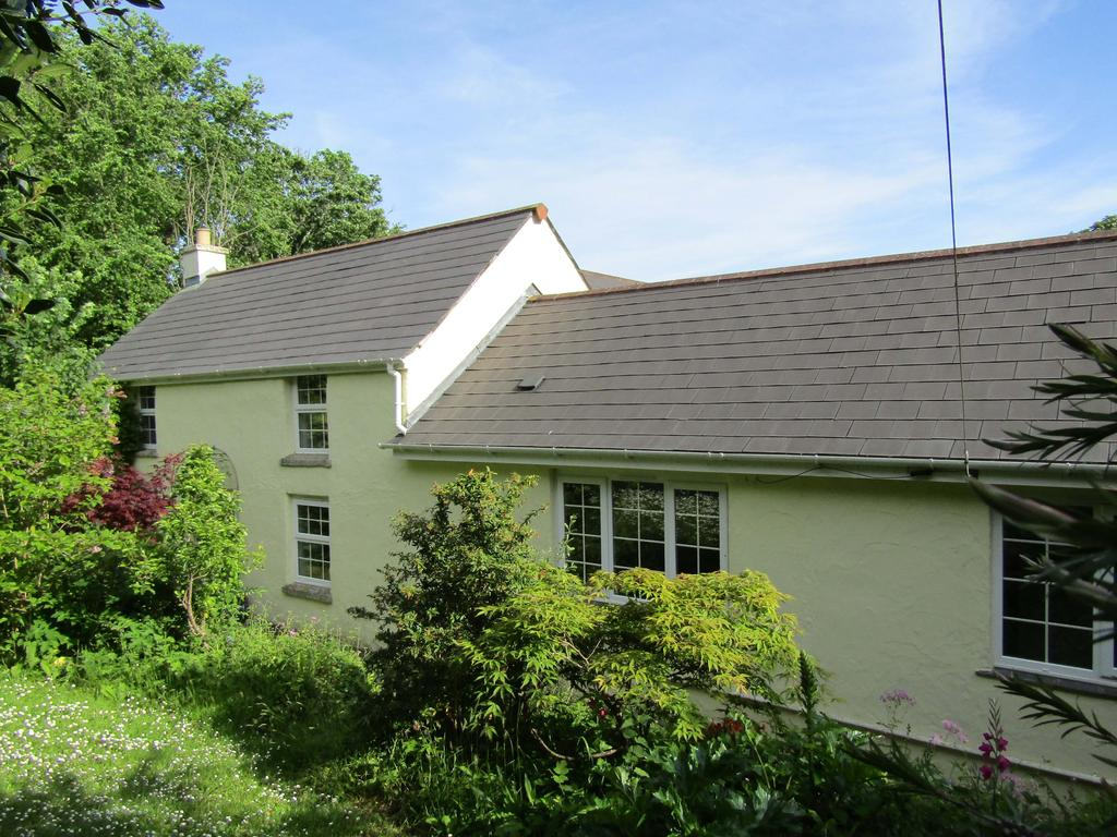 4 Bedrooms Country House Character Property for sale in Country Property, Calloose Lane, Leedstown, Hayle TR27