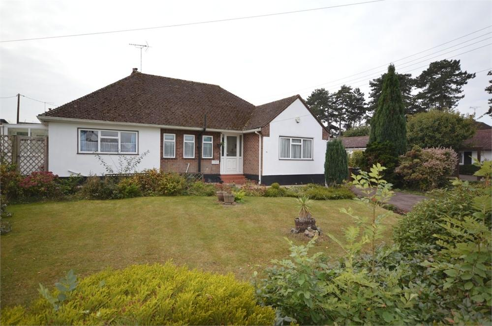 3 Bedrooms Detached Bungalow for sale in Fawkham Avenue, New Barn