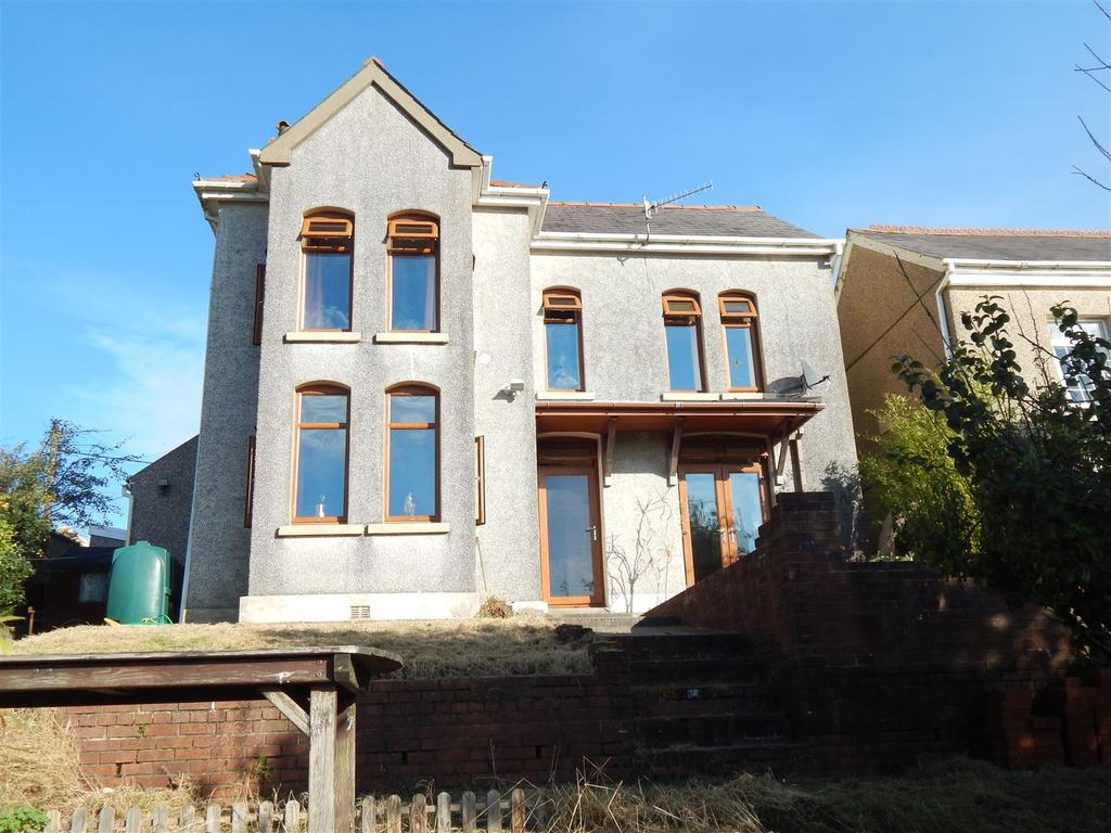 3 Bedrooms Detached House for sale in Brynawelon Road, Cwmllynfell, Swansea
