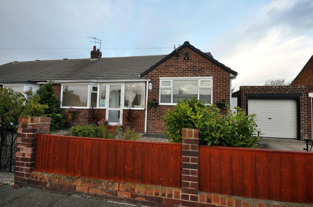 2 Bedrooms Semi Detached Bungalow for sale in Crosslea Avenue, Barnes, Sunderland