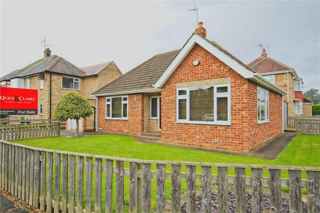 2 Bedrooms Detached Bungalow for sale in Queens Drive, Cottingham, East Riding of Yorkshire