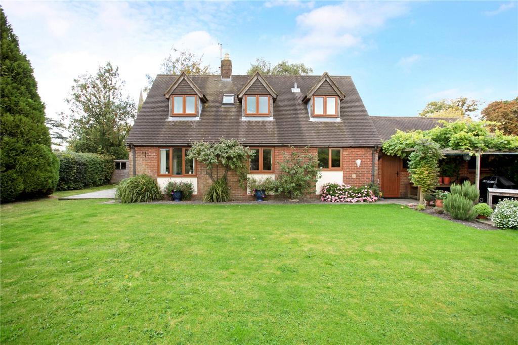 3 Bedrooms Detached House for sale in High Street, Sutton Veny, Warminster, Wiltshire
