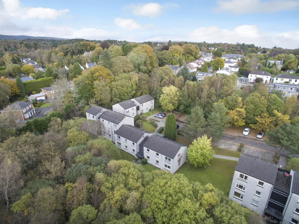 2 Bedrooms Flat for sale in Flat 2, 9 The Riggs, Milngavie, G62 8LX