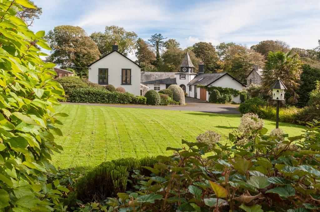 5 Bedrooms Detached House for sale in Criccieth, Gwynedd, North Wales