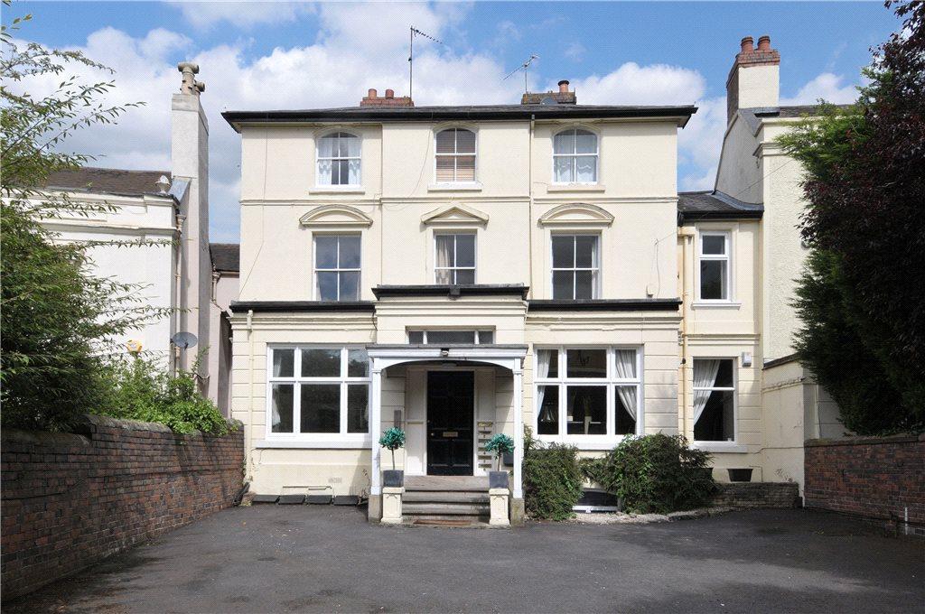4 Bedrooms Apartment Flat for sale in Birmingham Road, Hagley, Stourbridge, West Midlands, DY9