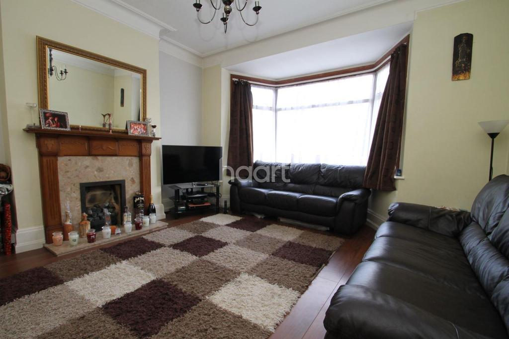 3 Bedrooms Terraced House for sale in Lennox Gardens, Ilford, Essex