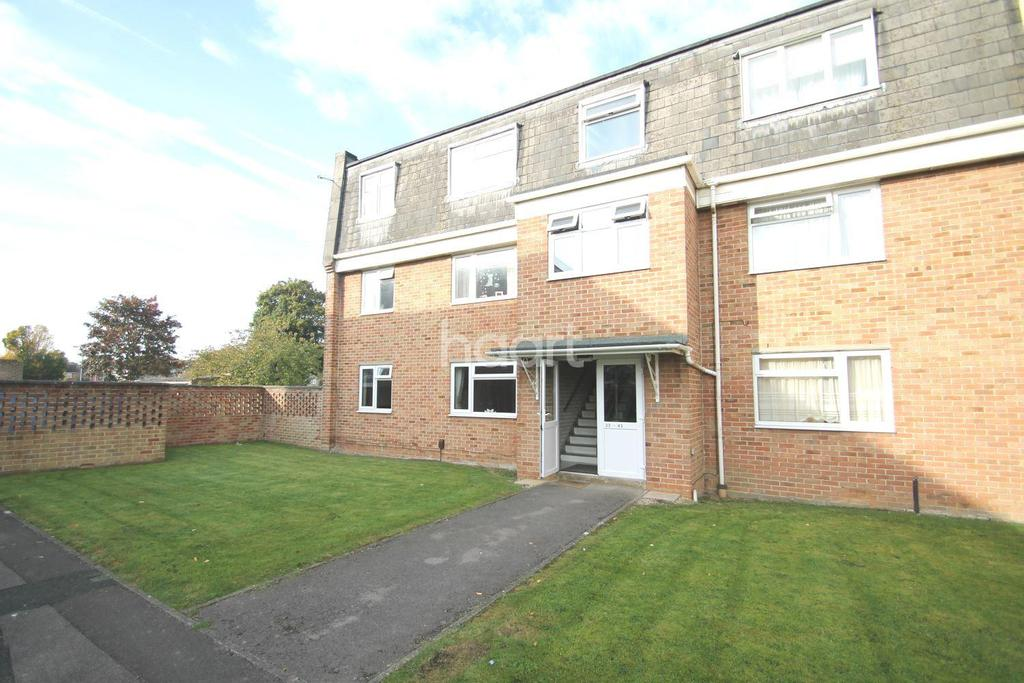 2 Bedrooms Flat for sale in Trent Road, Swindon, Wiltshire