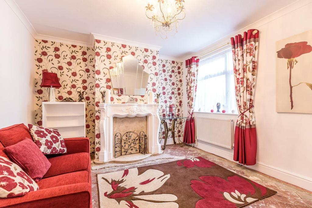2 Bedrooms Flat for sale in Queen Street, Rushden