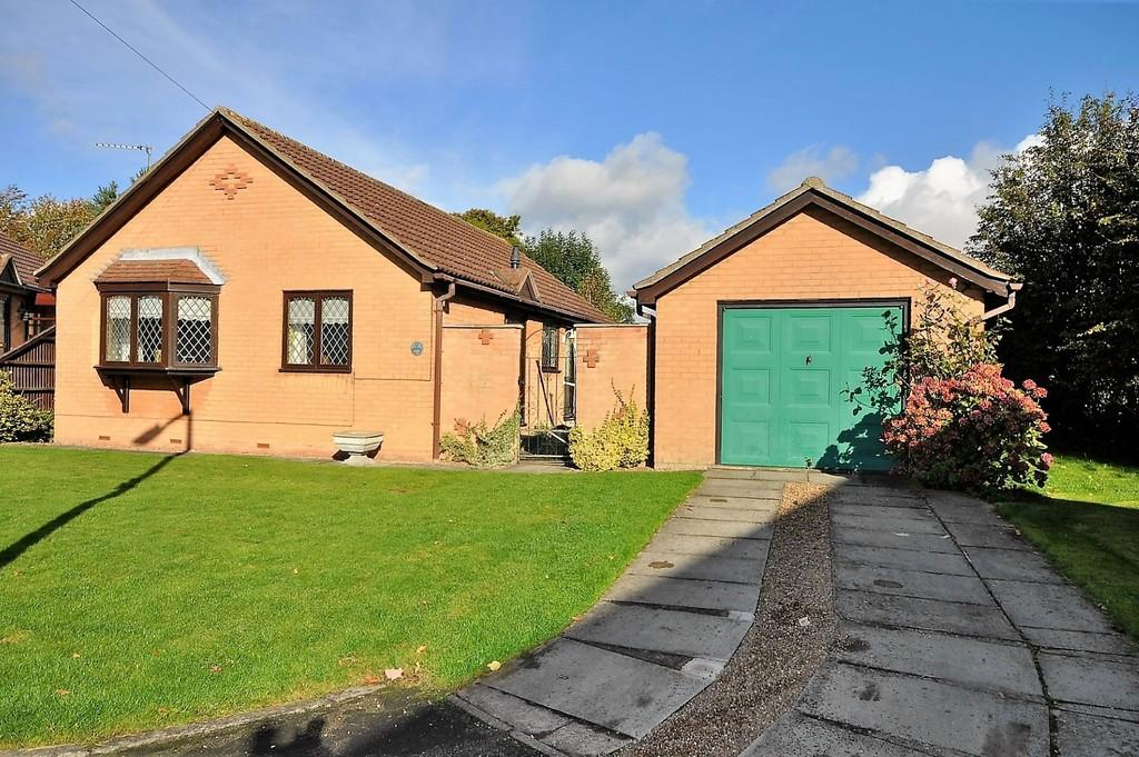 2 Bedrooms Detached Bungalow for sale in Marina View, Thorne, Doncaster