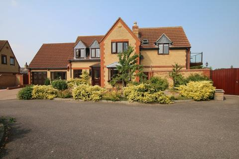 4 bedroom detached house for sale - Hunts Close, Doddington, March